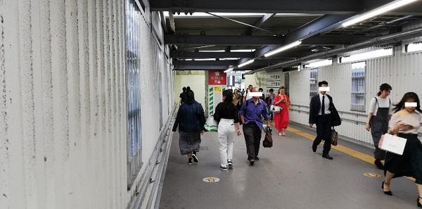 渋谷駅の銀座線降車専用ホーム前の通路