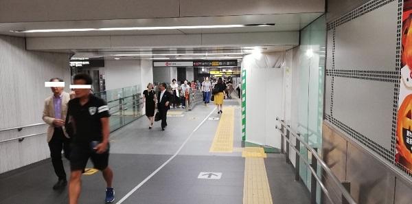 渋谷駅、東横/副都心線の通路(動く歩道)