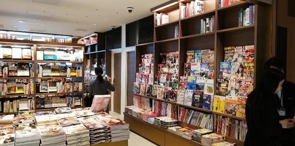 渋谷TSUTAYAのBOOKSTORE店内