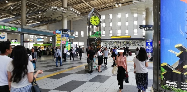 品川駅の中央通路にある待ち合わせ場所(時計台)