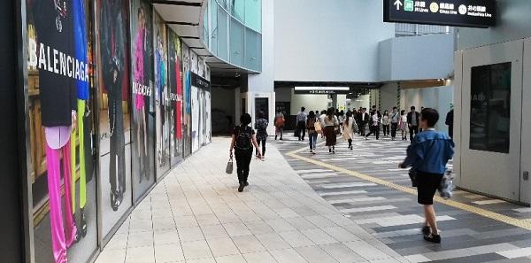 渋谷スクランブルスクエア東棟の通路