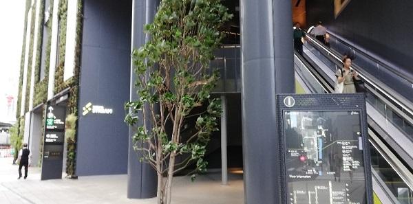 渋谷ストリームの南側エスカレーター