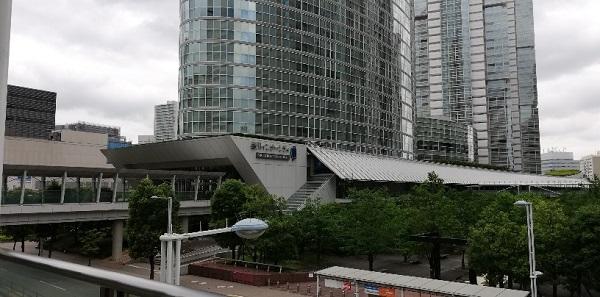 品川駅の港南口、品川インターシティ