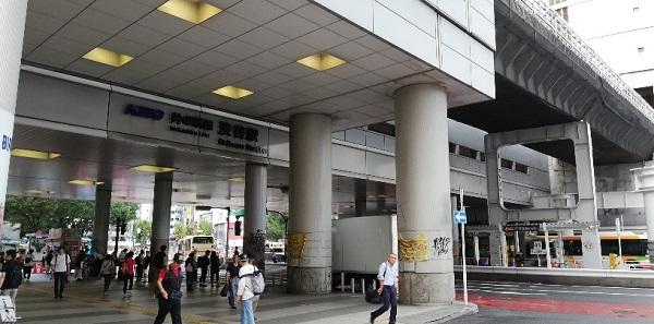 京王井の頭線渋谷駅の高架下