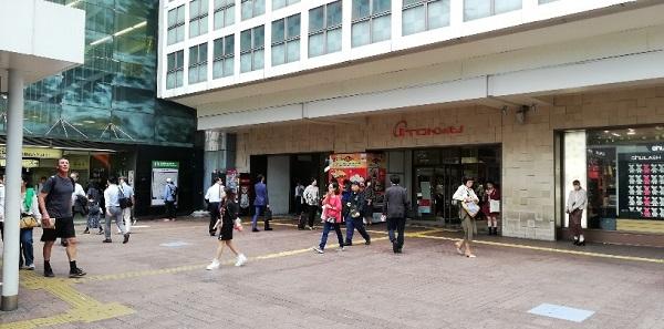 渋谷駅ハチ公広場A8出口から出たところ