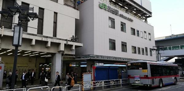 渋谷駅西口バス停前