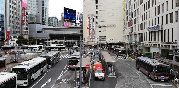 渋谷駅西口のバスターミナル