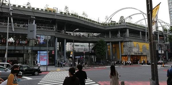 渋谷宮下公園前